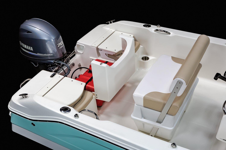 R160  - Fuel Tank Access