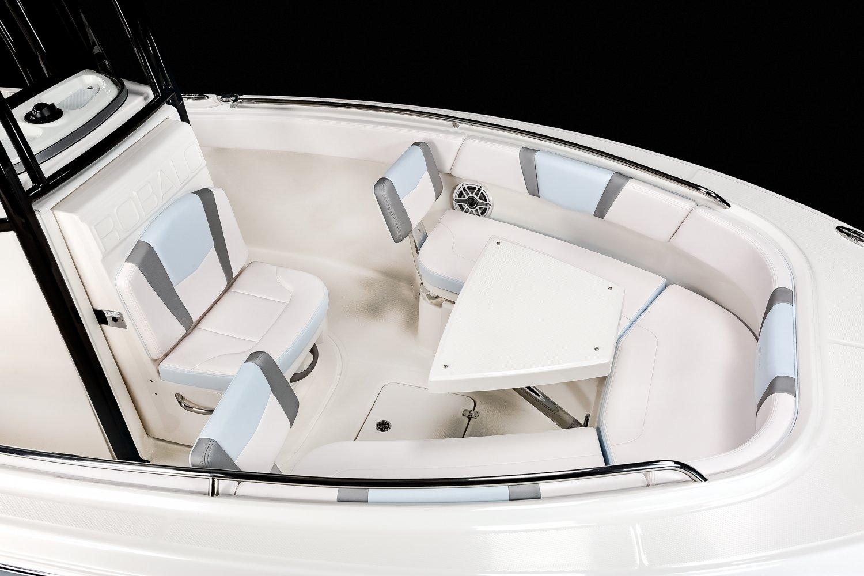 R230 - Bow Dinette