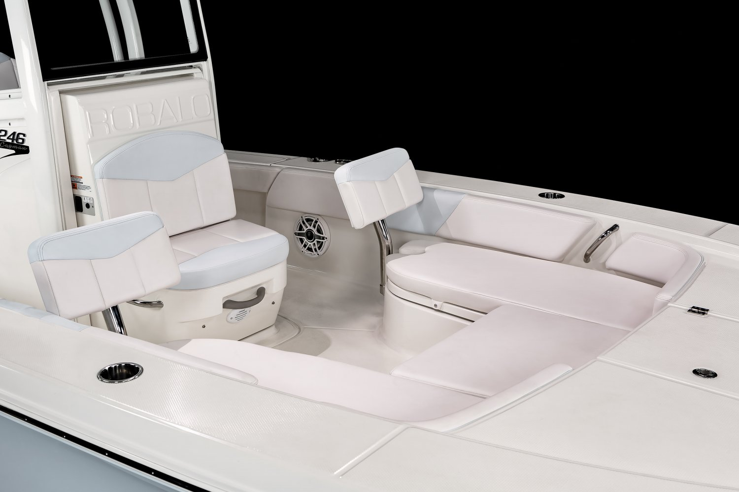 246 Cayman - Bow Seating