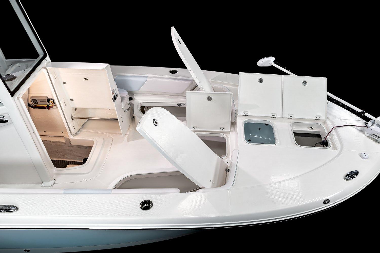 246 Cayman - Bow Storage