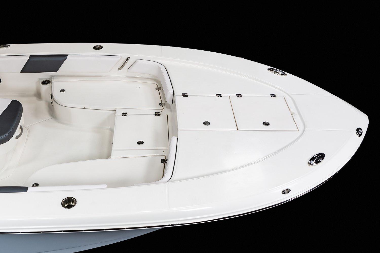 246 Cayman SD - Bow Casting Deck