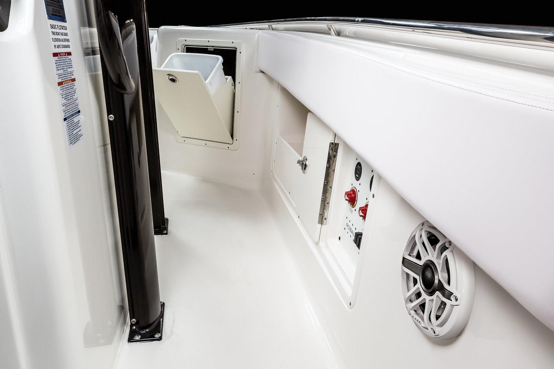 R302 - Battery Switch / Gunnel Storage