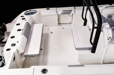 R302  - Cockpit Seating
