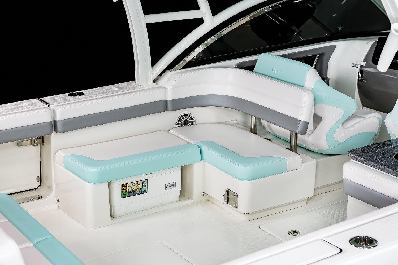 R317 - Cockpit Seating