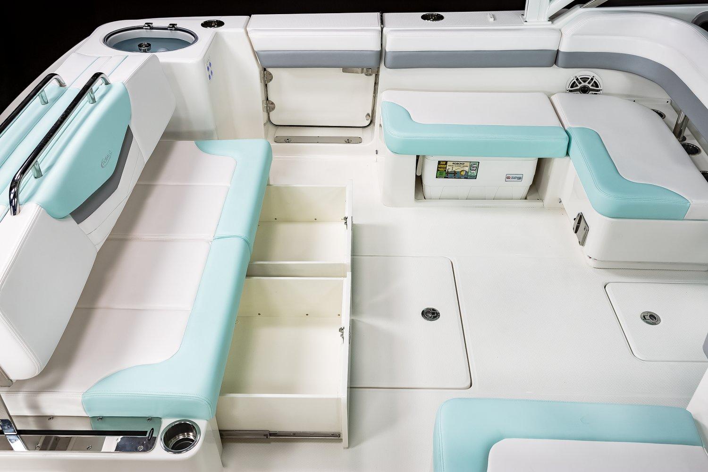 R317 - Vista View Lounge Storage